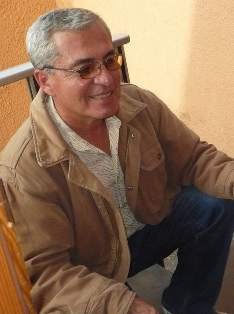 Jorge Quevedo (Jul 20, 1954) is the office manager doing almost everything you can think of, except guiding birders. Jorge has two grown-up boys in their early twenties.