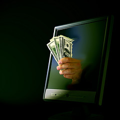 Scammers offer you money for nothing through the screen - Don Hankins